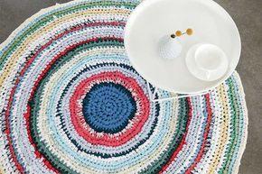 DIY tutorial: Een tapijt van oude t-shirts en lakens haken via DaWanda.com