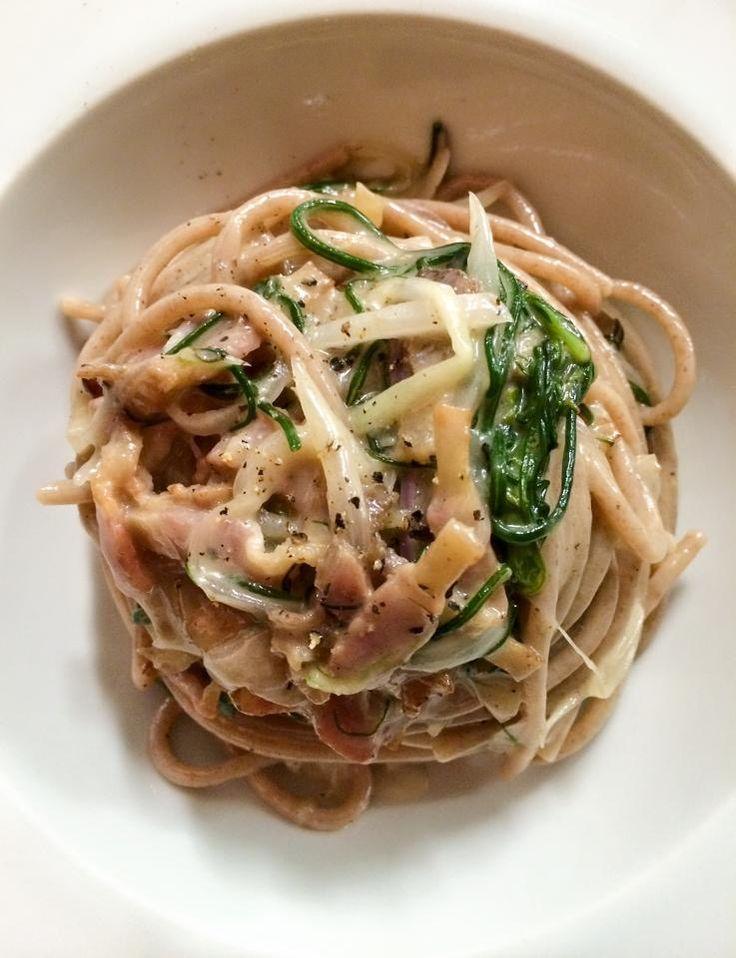 @osterialalira spaghetti monococco con cipollotto, guanciale, pecorino ed erba gatta