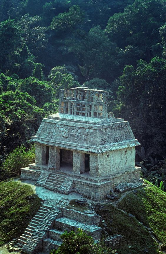 ruine de palenque temple du soleil