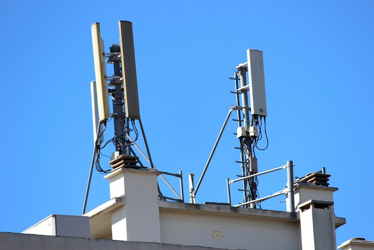 Deux antennes relais
