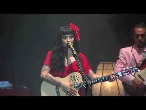 Mon Laferte - Amor Eterno  (Juan Gabriel) - YouTube