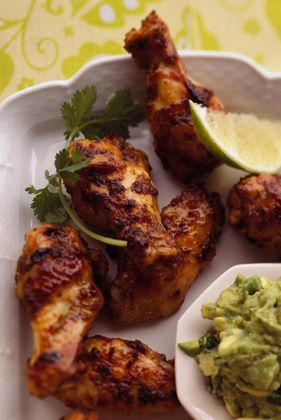 Lime-Marinated Chicken Wings with Avocado DipLimemarin Chicken, Limes Marines Chicken, Dips Recipe, Limes Chicken, Grilled Chicken, Marinated Chicken, Appetizers, Avocado Dips, Chicken Wings