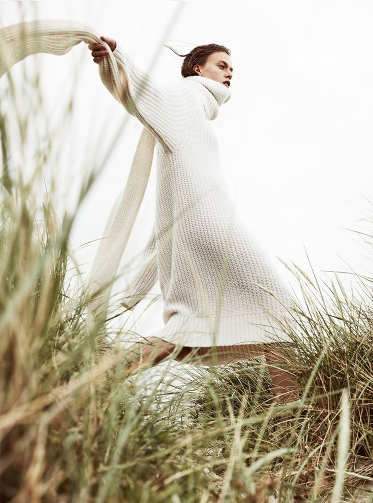 ELLE Germany September 2017 Tess Hellfeuer by Mikael Schulz