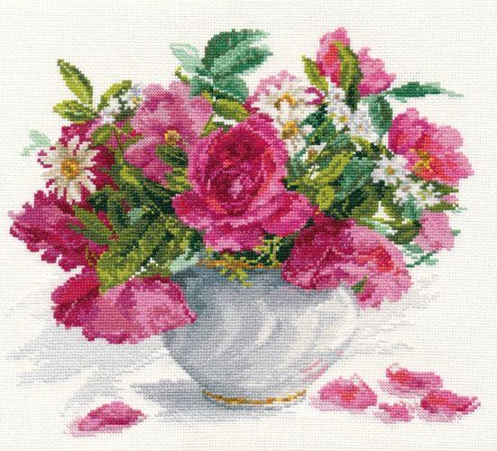 róże i margaretki w wazonie 1