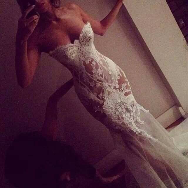 For under the wedding dress | Bridal | Lace | The Veil