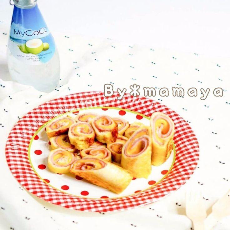 運動会のお弁当にもピッタリのハムチーズロールサンドイッチです! 材料も簡単!作り方も簡単!(ノシ 'ω')ノシ♡巻くとき、少し力を入れるのだけ!  ♡♥♡♥m(._.*)mレシピの質問やコメントはいつも大歓迎♡♥♡♥  ヨロシク<(_ _*)レシピが気に入った方は、今すぐ「まねしたい」をクリック(*_ _)>ヨロシク  ★☆フォロワー募集中!(*・∀-)☆レシピが気に入った方は、是非フォローしてくださいね★☆  ♡♡良かったら友達にも「ママのレシピ屋」のリンク共有お願いいたします(*_ _)♡♡ ninkirecipe.com ↑☆↑☆リンクで接続↑☆↑☆  ♡♡「ママのレシピ屋」は、お子様向けのレシピを紹介しております。 大人や家族向けの色んなレシピは「ヒット☆レシピ」をご覧ください≫hitrecipe.net♡♡