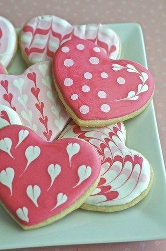 Pretty little #Valentine's Day biscuits
