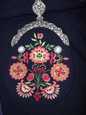 Embroidery on the bunad from Målselv. Handmade by Lill Venke Hustvedt Troms