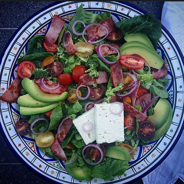 """""""#iqs8wp BLAT Superbowl of goodness! Bacon, Cos, Avocado, Tomato & Fetta + a couple little additions of my own including broccoli and red onion. #iqs…"""""""