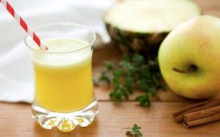 Centrifugato di ananas, mela e sedano
