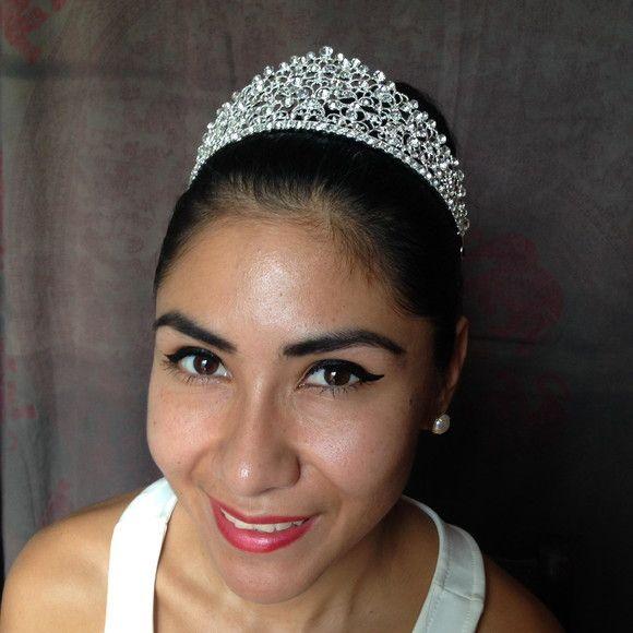 Coroa Rainha Carlota #coroa #noiva #bride #acessórios_de_noivas #casamento #wedding #crown  #headpiece  #noivas #coroa_de_noiva #15 anos #debutante #debutantes #coroa #debut #casamento