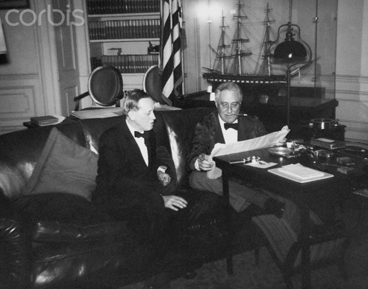 how president franklin roosevelt handled the american depression of 1920s Both herbert hoover and franklin d roosevelt were presidents during the great depression they increased government spending without increasing taxes, thereby creating huge budget deficits many economists say their deficits made the great depression longer roosevelt called his big-spending.