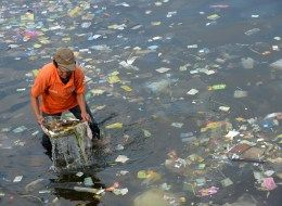 Worlds Oceans Clogged By Millions Of Tons Of Plastic Trash