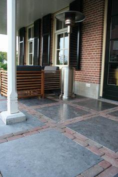 Jaren30woninge.nl | Mooie combi voor een jaren 30 tuin: gebakken klinkers en antraciete tegels