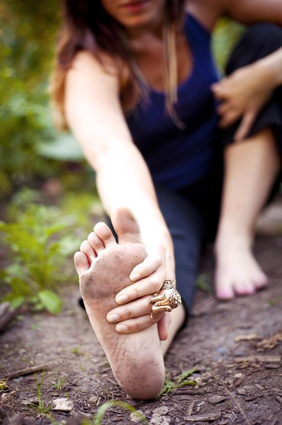 Yoga outdoors, dirty feet. | Yoga - Bend it like Bikram ...