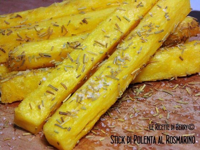 Ecco come la polenta, il cibo povero per eccellenza, diventa un finger food giovane e originale! Anche in questa ricetta la preparazione è semplice