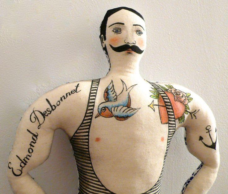 Réservé pour Béatrice, Le Musclé Tatoué, dessiné aux feutres sur tissu - un radis m'a dit - : Décorations murales par un-radis-m-a-dit, blog https://www.facebook.com/clairefabrications