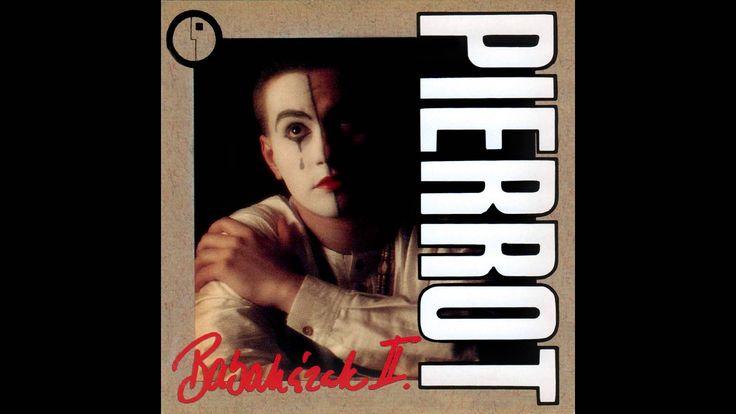 Pierrot - Áll a bál a Hold várában