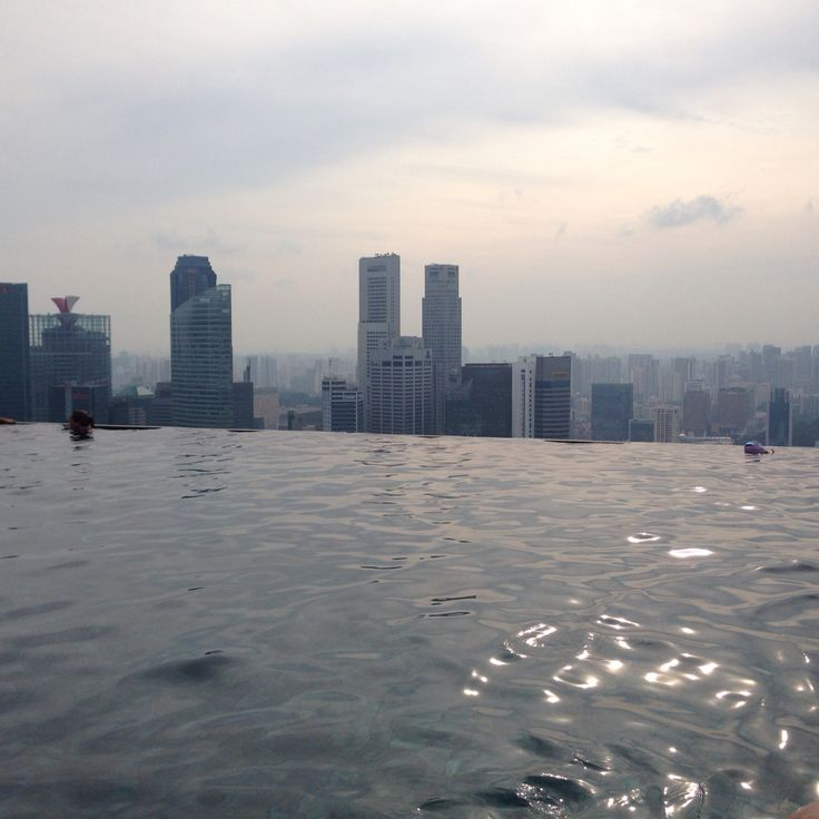 Rooftop #infinitypool at Marina Bay Sands #Singapore