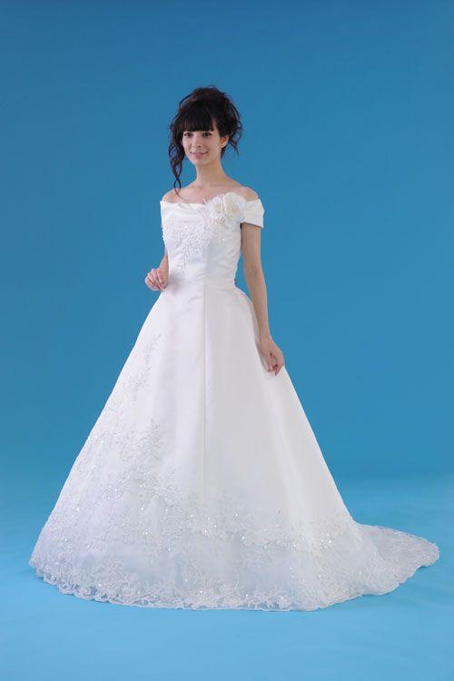 http://www.wedding-okinawa.com/white/1219.jpg