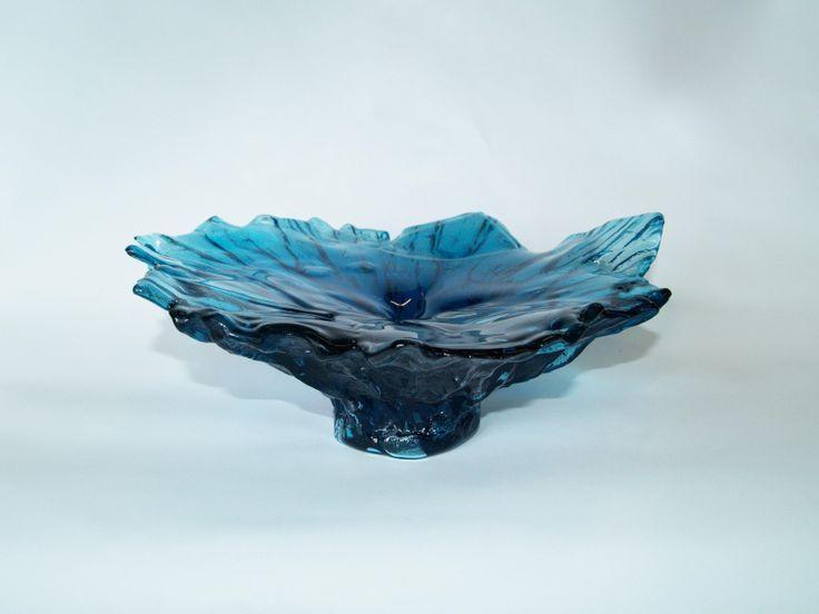 Turquoise Glass Sculpture by Lisa de Boer. http://www.glassxpressions.com.au