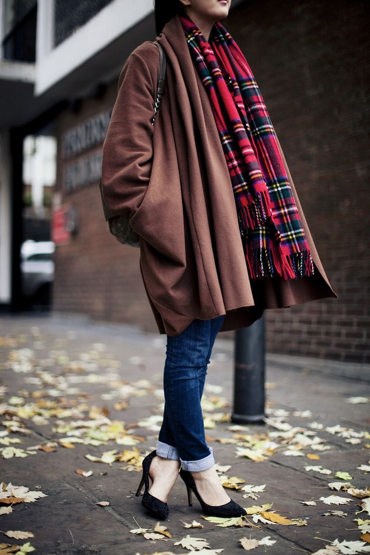 roll up jeans and heels: Design Shoes, Tartan Scarfs, Winter Style, Tartan Plaid, Street Style, Winter Looks, Winter Fashion, Fall Fashion, Fashion Fall
