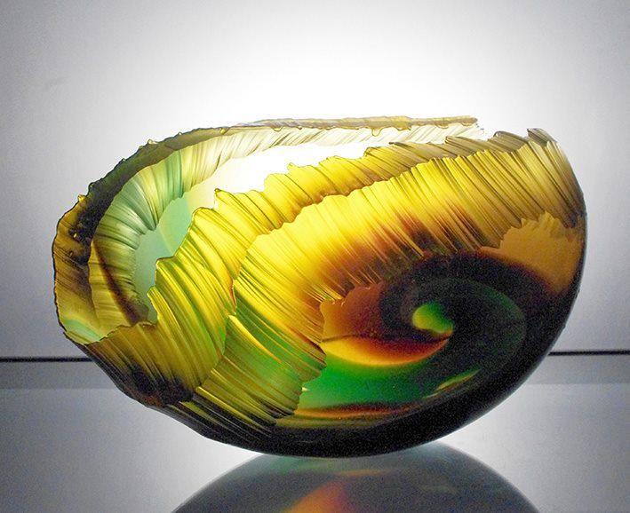 Graham Muir´s Exquisite Glass Sculptures Capture the Intense Beauty and Power of an Ocean Wave #Art #Sculpture