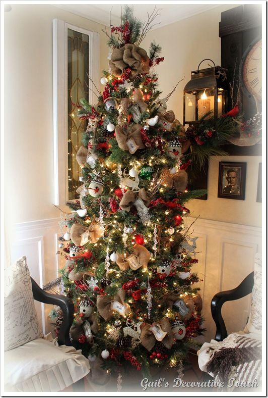 Burlap Christmas tree decor. I may just add burlap to my hallmark tree-  love the look and homie feel!! | Holiday | Pinterest | Christmas, Christmas  tree ... - Burlap Christmas Tree Decor. I May Just Add Burlap To My Hallmark