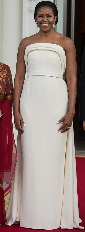 First Lady, Michelle Obama in Brandon Maxwell celebrates 50 years of US-Singapore relations. #bestdressed