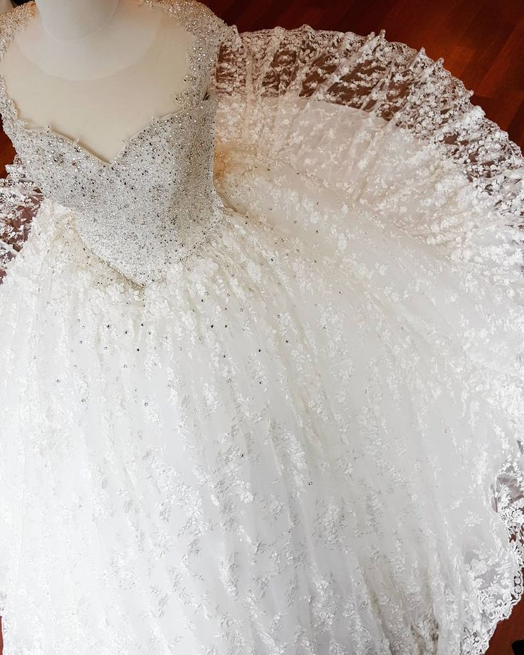 #gelin #gelinlik #gelinlikler #gelinlikmodelleri #weddedwonderland #russia #kına #nişan #bride #bridal #bridaldress #wedding #vestidodenoiva #weddingdress #glam #prenses #couture #weddingday #weddingphotography #transparan #hijab #couturefashion #houtecouture #fashion #bohem #transparent #style #bride #amazing #beautifulbride #tbt �� http://gelinshop.com/ipost/1522749345592867142/?code=BUh5HZCBXlG