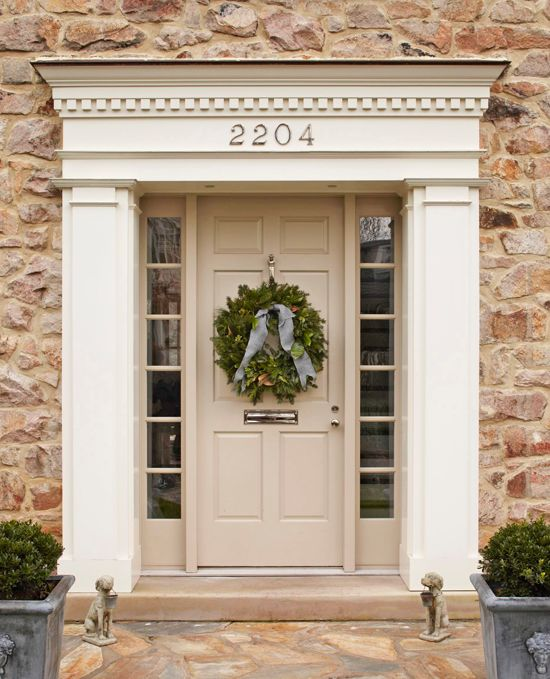 Outdoor Holiday Decorating - Traditional Home®