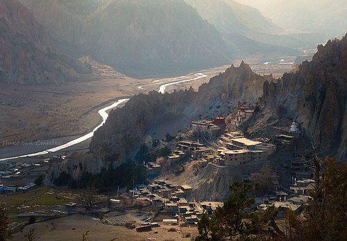 Фотограф Николай Стюбко (Nikolay Styubko) - В дымке заката.Гомпа (монастырь) в поселке Бхрака, провинция Мананг. Непал.