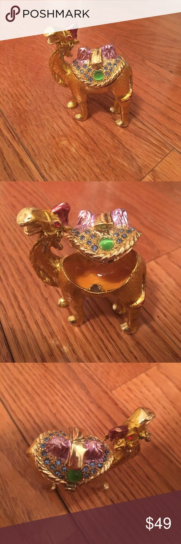 Camel jewelry holder New Other