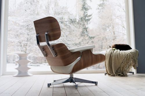 Replica Eames lounge White with Walnut $1299