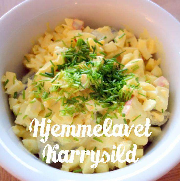 Er der noget bedre end en god karrysild? Denne hjemmelavede karrysalat er smagfyld og sprød og perfekt til en god marineret sild - og måske en snaps.