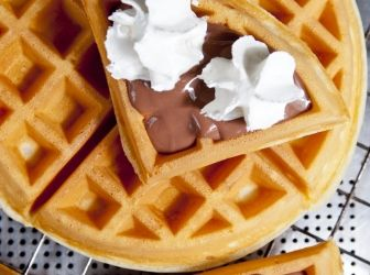 Gofri tészta recept: Egy kiváló gofri tészta alaprecept! Egyszerű, és finom! Kisütés után lekvárral, vagy pudinggal megkenve kínáld, nem fog csalódást okozni! ;) http://aprosef.hu/gofri_teszta_recept