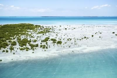 Key Largo Florida Underwater Hotel   Key Largo's sandy beaches and clear waters make it a popular tourism ...