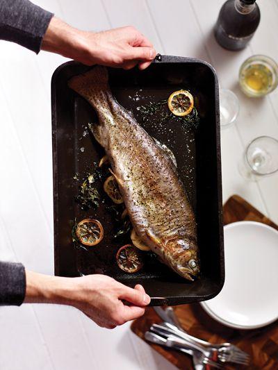 Memasak ikan utuh malam ini dengan ini resep yang besar dan sederhana untuk Pan-Roasted Trout. Dijamin untuk membuat Anda terlihat seperti seorang koki!