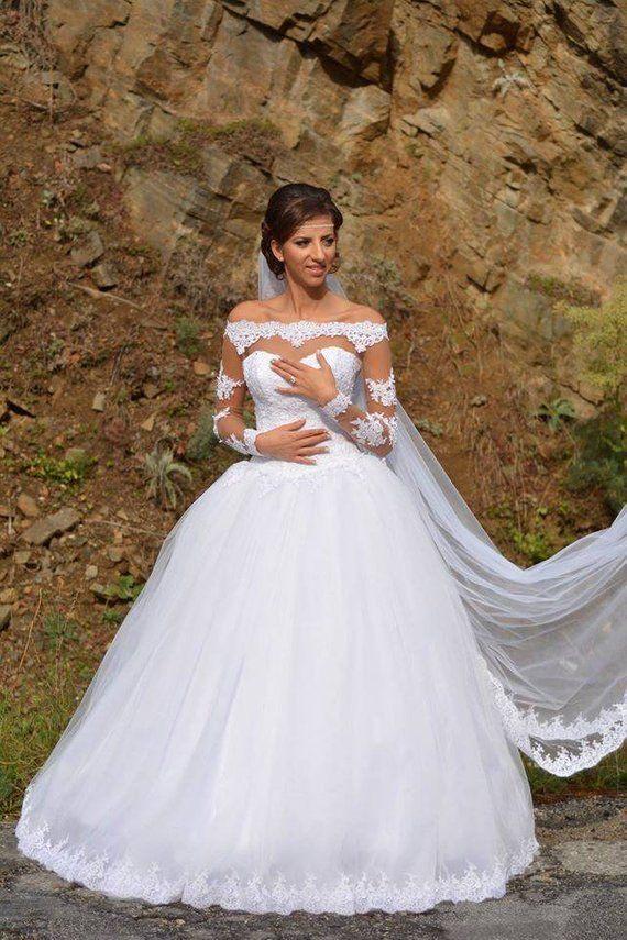 Vera wang plus size wedding dresses   Casual beach wedding