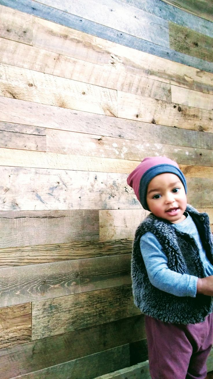 Girls reversible bamboo slouchy hat. Canadian made. Childrens clothes. Baby girl. Mixes babies. Lil Slouchies