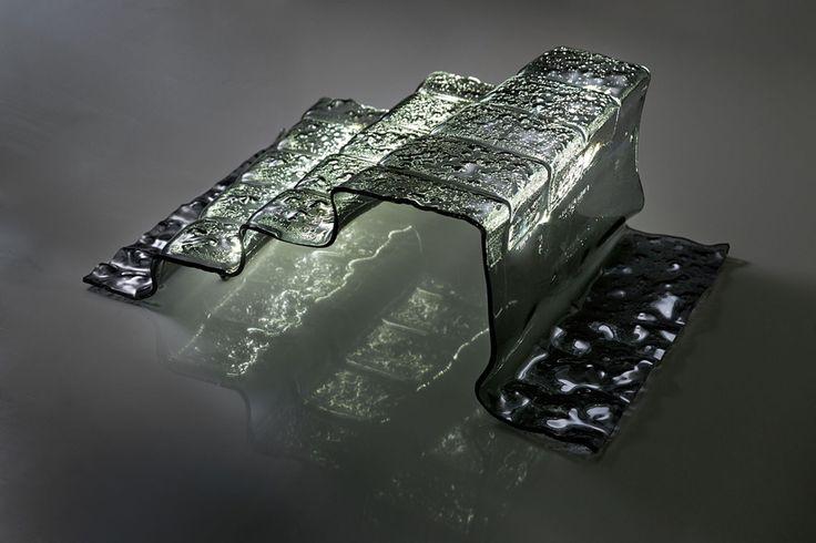 Лампа-лестница - новаторство от Евгении Миро. Подробнее: http://www.rdh.ru/site/dizayn/3666--lampa-lestnitsa_vechnost_pooti_ot_evgenii_miro/  #design #дизайн