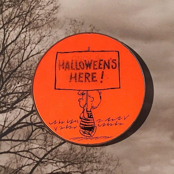 Vtg Hallmark Cards Peanuts Linus Halloween Here Vari-Vue Flicker Lenticular Pin