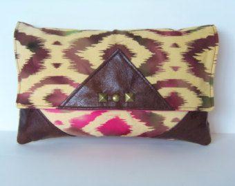 Embrague cuero marrón Ombre Tie Dye y vegano, Ikat, Tribal, Chevron tachonado bolsa