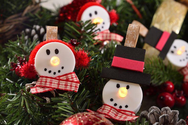 Cómo hacer adornos de muñeco de nieve