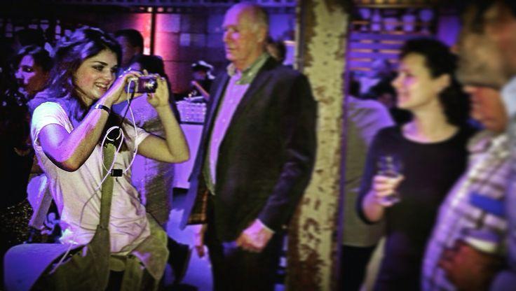 35 jaar @TheoPouwGroep in @defabrique #Utrecht met @MarcvanLaerePro.   @fashionisaparty als @camerameisje en optreden van @fduijts.  Was weer helemaal top!!  #fransduijts #camerameisje #defabrique #fotomarketing