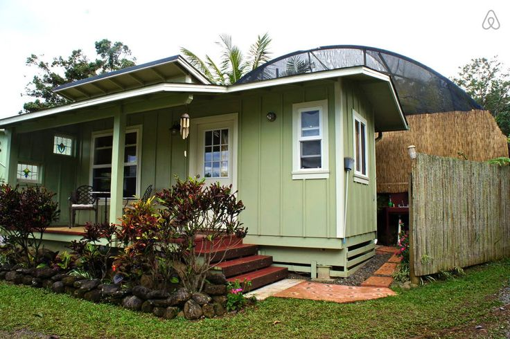 A small guest home in Maui, Hawaii. More info.