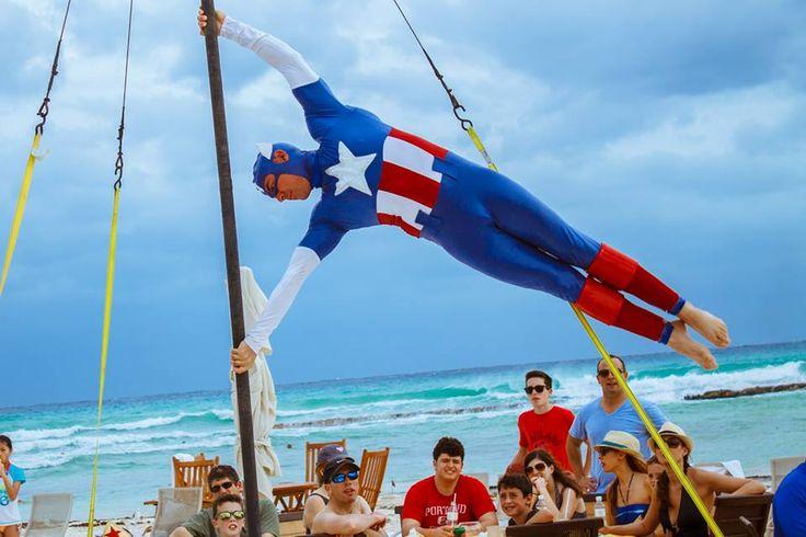 Шоу супергероев для гостей Гранд Велас Ривьера-Майя!  http://rivieramaya.grandvelas.com/russian/