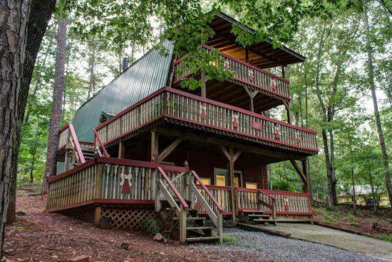 Helen, GA Cabin Rentals | Alpine Angels Chalet | Pet Friendly, Downtown Mountain Chalet