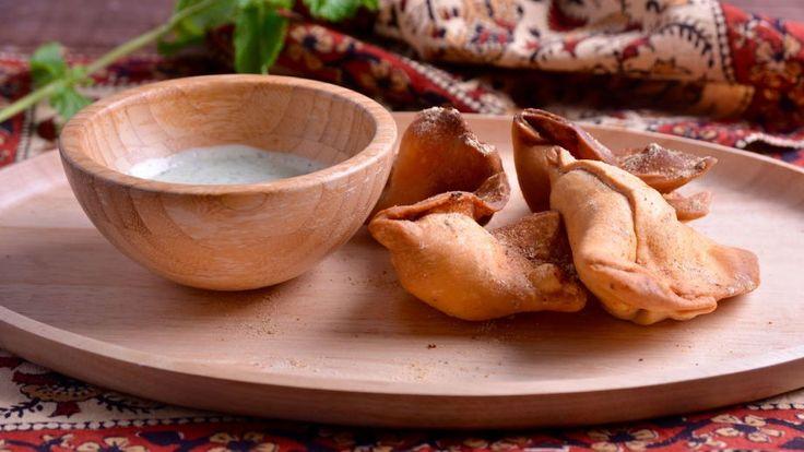 Receta | Empanadilla de patata y guisantes (Samosa vegetal) - canalcocina.es                                                                                                                                                     Más