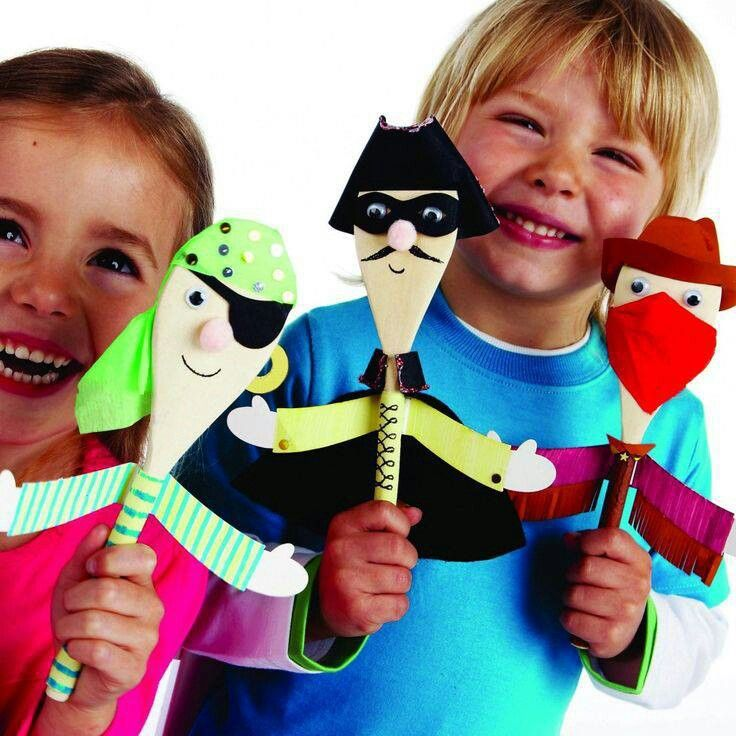DIY Wooden spoon puppets